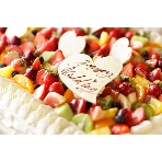 RUBETTA:併設パティスリーのウェディングケーキ