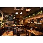オリエンタルスプーン西天満店:緑を多く配置した店内でアジアンリゾートな空間を満喫☆