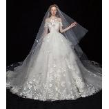 S.eri Wedding Dress Shop:【会場映えする華やかドレス】刺繍×レースがボリュームたっぷりので女性らしい1着