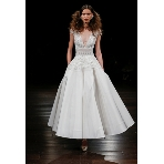 ウエディングドレス:DESTINA●APG Bridal