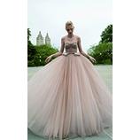 LIS BLANC MARIAGE(リブロンマリアージュ):たっぷりのチュールとスタイリッシュな身頃が洗練されたカラードレス