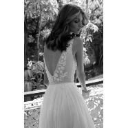 ドレス:LIS BLANC MARIAGE(リブロンマリアージュ)