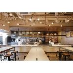 800°DEGREES NEAPOLITAN PIZZERIA:ライブ感のあるオープンキッチンが特徴です。