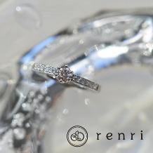 renri_【手作り・オーダーメイド】煌びやかなダイヤモンドが輝きを放つエンゲージリング