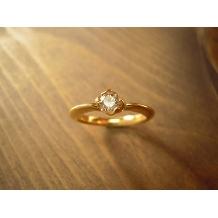 工房Noritake_「想」大切な人を想うやさしい気持ちを表現したデザインの婚約指輪