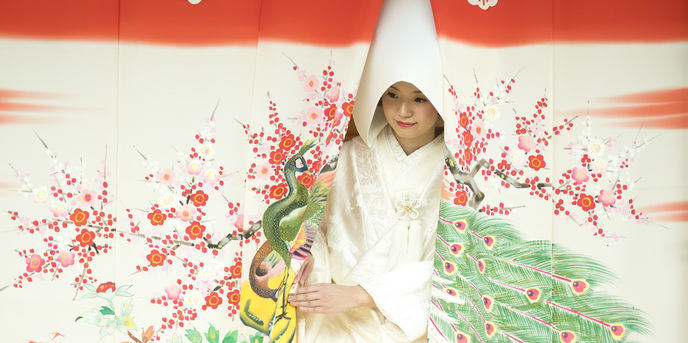加賀屋:娘の幸せを願って、そのご両親が思いを込めて作った『花嫁のれん』七尾市で古くから伝わる、女性のハレの日にふさわしい嫁入り道具です。