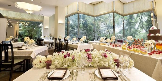 萃香園ホテル(スイコウエンホテル) レストラン Foun de Cour画像1-1