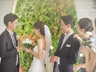HOTEL HANSHIN OSAKA(ホテル阪神大阪) チャペル(やさしい木の温もりと光に満ちたチャペル)画像2-2