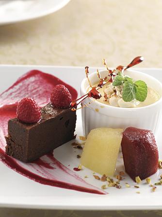CLUB WEDDING(日本の宿 のと楽 ホテル能登倶楽部) 料理・ケーキ画像2-2
