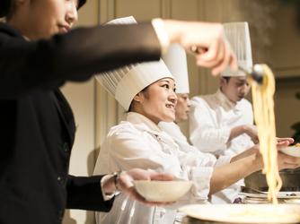 HOTEL NEW OTANI SAGA(ホテルニューオータニ佐賀) 料理・ケーキ4画像1-2
