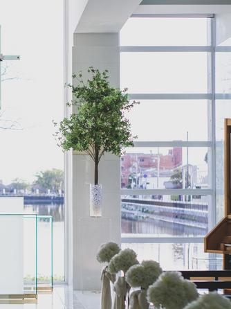 HOTEL NEW OTANI SAGA(ホテルニューオータニ佐賀) チャペル(前面がガラス張りで開放的なチャペル)画像1-2
