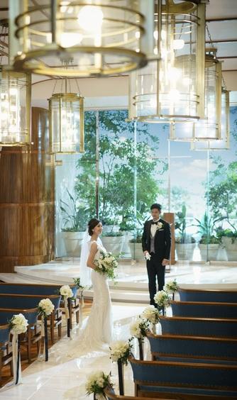 ヨコハマ グランド インターコンチネンタル ホテル チャペル(窓一面に広がる海と空に祝福される誓い)画像2-1