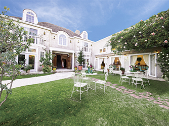 薔薇舘The Balakan Art Resort(ザ バラカンアートリゾート) 薔薇とアートスタイルがあふれるリゾート画像2-2