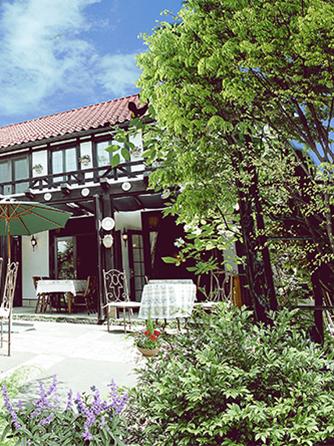 薔薇舘The Balakan Art Resort(ザ バラカンアートリゾート) 薔薇とアートスタイルがあふれるリゾート画像1-2