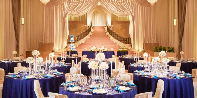 京王プラザホテル札幌 【プラザホール】まるで宮殿のような大階段画像1-1