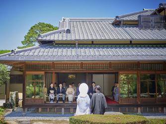 桜鶴苑(おうかくえん) セレモニースペース(豊かな緑に包まれた庭園人前式~桜祝言~)画像2-3