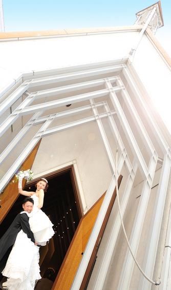 アートホテル上越 チャペル(優しい光の空間で感動のウェディングを)画像2-1