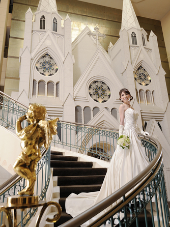 ホテルエミシア札幌 チャペル(本格挙式×フォトスポット こだわりを形に)画像1-1