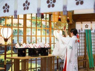 尾山神社 結婚式場 金渓閣 神殿(尾山神社 拝殿)画像2-3