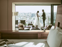 THE MARCUS SQUARE アゴーラ福岡山の上ホテル&スパ チャペル(自然光と緑に囲まれた心温まる結婚式が叶う)画像2-5