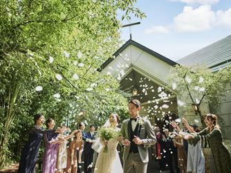THE MARCUS SQUARE アゴーラ福岡山の上ホテル&スパ チャペル(自然光と緑に囲まれた心温まる結婚式が叶う)画像2-2