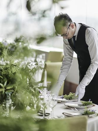 THE MARCUS SQUARE アゴーラ福岡山の上ホテル&スパ 一流スタッフがお2人の結婚式を創りあげる画像2-2