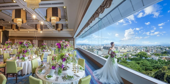THE MARCUS SQUARE アゴーラ福岡山の上ホテル&スパ チャペル(美景と豊かな緑が彩る丘の上での結婚式)画像1-1