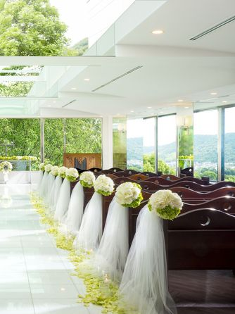 HARMONIE TERRASSE WEDDING HOTEL(アルモニー テラッセ ウエディング ホテル) チャペル(【110名可能】Chapelle de Ciel)画像1-2