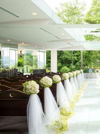 HARMONIE TERRASSE WEDDING HOTEL(アルモニー テラッセ ウエディング ホテル) チャペル(【110名可能】Chapelle de Ciel)画像1-1