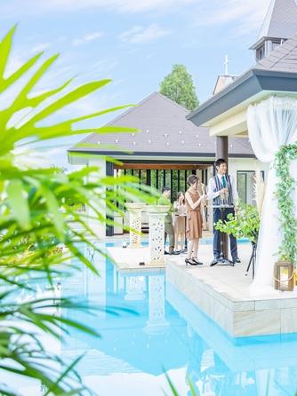 バリテラスCoCo金沢 南国バリのリゾートを感じる水上テラス画像1-1