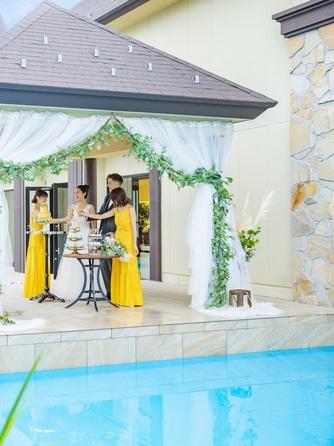 バリテラスCoCo金沢 南国バリのリゾートを感じる水上テラス画像1-2