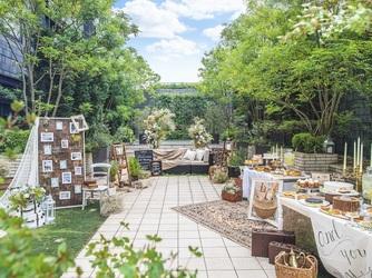アルモニーサンク ウエディングホテル(HARMONIE CINQ WEDDING HOTEL) ガーデン画像2-1