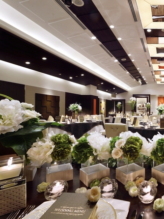 WeddingHotel PRIVE(プリヴェ) 【サル・ドゥ・アクーユ】画像1-1