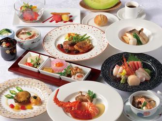 ホテルブリランテ武蔵野 料理・ケーキ1画像1-3