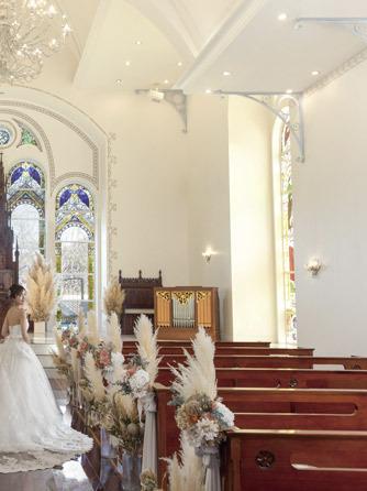 迎賓館 サクラヒルズ川上別荘 チャペル(チャペル《着席100名の大聖堂挙式》)画像1-2