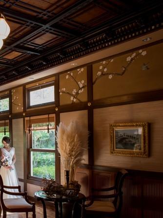 迎賓館 サクラヒルズ川上別荘 メインバンケットと繋がる待合スペース画像1-2