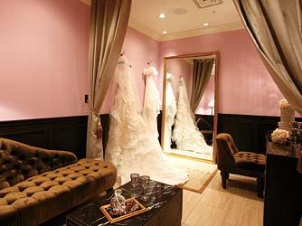 ミラキュルーズ チャペル(花嫁を美しく見せるプライベートチャペル)画像2-3
