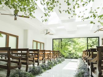ザ ナンザンハウス(THE NANZAN HOUSE) チャペル(【森のチャペル】美しい緑を背景に挙式)画像2-2