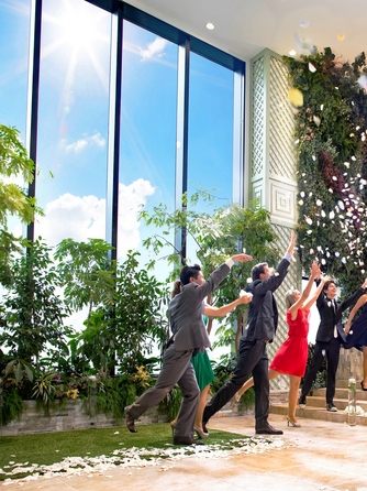 Wedding Terrace(ウエディングテラス) 屋内ガーデン×ワンフロア貸切ウエディング画像1-1