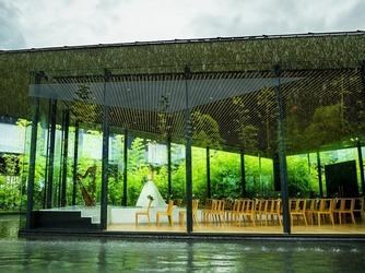 ガーデンテラス宮崎 ホテル&リゾート チャペル(3面ガラス張りの水に浮かぶチャペル)画像2-2