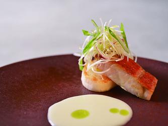 THE MARCUS SQUARE KOBE (ザ マーカススクエア 神戸) 料理・ケーキ1画像2-2