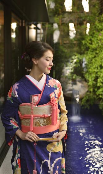 THE MARCUS SQUARE KOBE (ザ マーカススクエア 神戸) 衣裳2画像2-1