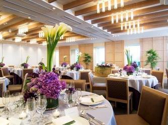 ベストウェスタン レンブラントホテル東京町田 開放感あるガーデンチャペル画像2-2