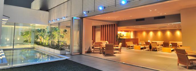 ベストウェスタン レンブラントホテル東京町田 開放感あるガーデンチャペル画像2-1