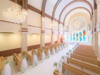 ザ・ロイヤルクラシック福岡 チャペル(天井高11mと圧倒的スケールを誇る大聖堂)画像2-4