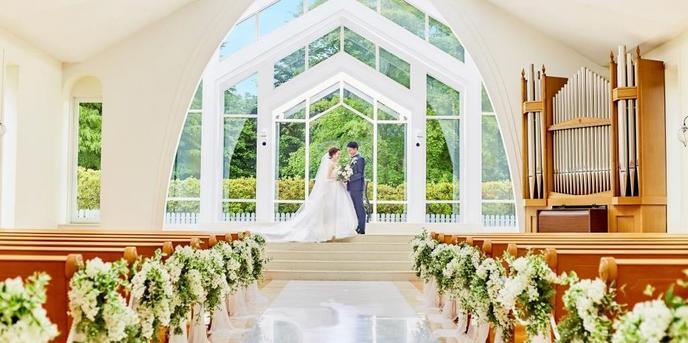 セントアクアチャペル仙台 チャペル(森の都仙台で家族愛に満ちた結婚式が叶う)画像1-1