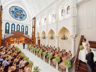 アルカンシエル luxe mariage大阪 チャペル(階段入場が叶う大聖堂 / 着席110名)画像2-2