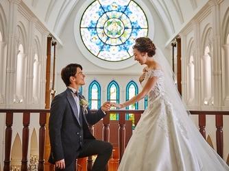 アルカンシエル luxe mariage大阪 チャペル(階段入場が叶う大聖堂 / 着席110名)画像2-3