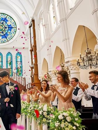 アルカンシエル luxe mariage大阪 チャペル(階段入場が叶う大聖堂 / 着席110名)画像1-2