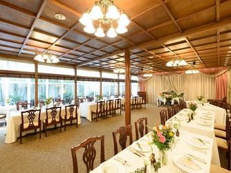 Restaurant ラファエル セレモニースペース(ドレスの持ち込みや飾りつけも自由)画像2-1